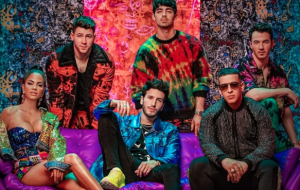 "Sebastián Yatra, Daddy Yankee, Natti Natasha e Jonas Brothers no clipe de ""Runaway"""