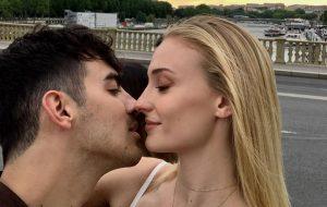 De novo! Sophie Turner e Joe Jonas se casam mais uma vez em cerimônia na França