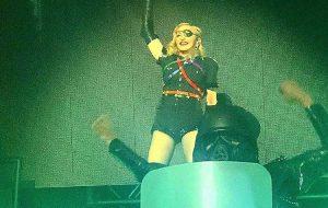 Em tom político, Madonna faz show deslumbrante na Parada LGBTQ+ de Nova York