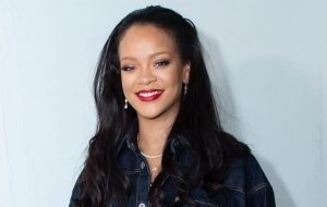 Com aluguel de R$97 mil por dia, Rihanna aluga ilha para gravar músicas, diz site