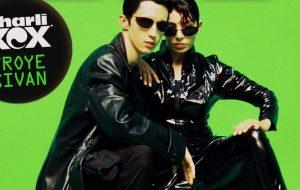 """Depois de """"1999"""", Charli XCX e Troye Sivan irão lançar outra música juntos!"""
