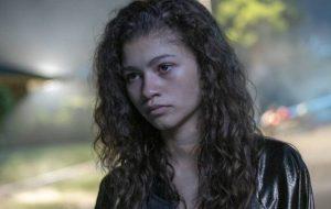 """Zendaya conta que o 1º episódio de """"Euphoria"""" é o """"mais leve"""" da temporada"""