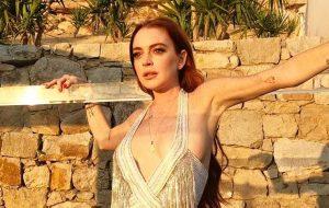 Lindsay Lohan assina com gravadora e já tem algumas músicas prontas!