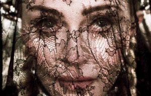 """Madonna lançará clipe para """"Dark Ballet"""" nesta sexta; vem ver um trechinho!"""