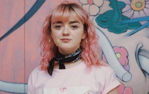 """Maisie Williams, de GoT, irá estrelar série de comédia """"Two Weeks To Live"""""""