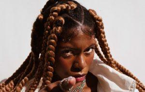 """MC Soffia mostra que não é errado ter ambição em """"Money"""", seu novo single!"""