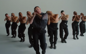 "Sam Smith arrasa na coreografia em clipe para ""How Do You Sleep?""; assista!"