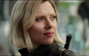 Scarlett Johansson rebate críticas e fala sobre posturas politicamente corretas no cinema