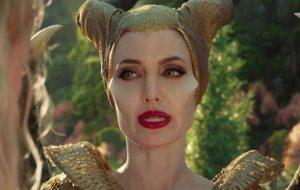 """Angelina Jolie surge fabulosa e desperta guerra em novo trailer de """"Malévola: Dona do Mal"""""""