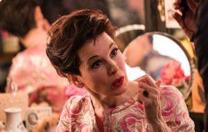 """Renée Zellweger vive o glamour e os dilemas de Judy Garland no primeiro trailer de """"Judy"""""""