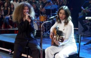 Rita Lee pede para Anavitória cantar música sua em entrevista ao Papelpop e duo atende