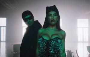 """Natti Natasha e Chencho Corleone se jogam na noite no clipe de """"Deja Tus Besos"""""""