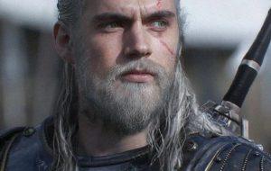 """Geralt aparece com seu cavalo em nova foto da série """"The Witcher"""""""
