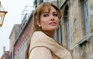 """""""Os Eternos"""": Angelina Jolie diz que está """"treinando muito"""" para viver Thena"""