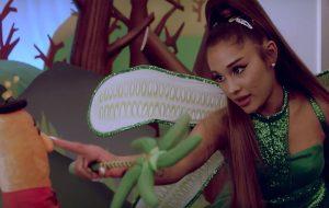 """Ariana Grande surge vestida de fada no trailer da 2ª temporada de """"Kidding"""""""