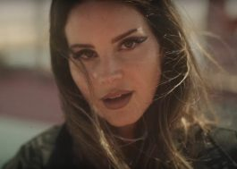 "Lana Del Rey curte a própria companhia no clipe duplo de ""Fuck It I Love You"" e ""The Greatest"""