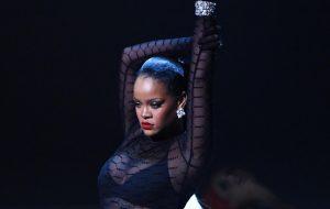 Rihanna escolhe música de Ludmilla para tocar em desfile de sua grife; saiba tudo o que rolou!