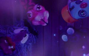 """Em vídeo da Netflix, personagens de """"CasteloRá-Tim-Bum"""" viram fãs de """"O Cristal Encantado"""""""