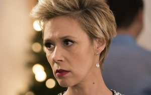 """Liza Weil, a Bonnie de """"HTGAWM"""", conta que a temporada final será sobre aceitação"""
