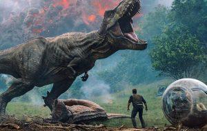 """Battle at Big Rock"": Dinossauros brigam em novo curta de ""Jurassic World"""