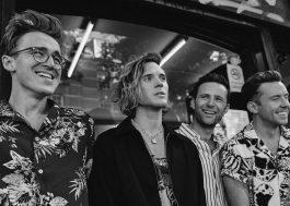 """Após anúncio de seu retorno, McFly lança as músicas """"Red"""" e """"Touch The Rain"""""""