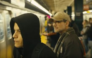"Temporada final de ""Mr. Robot"" ganha novo trailer todo natalino"