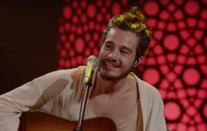 """Tiago Iorc libera apresentação sensível de """"Desconstrução"""" no Acústico MTV"""