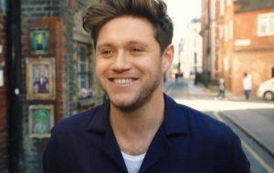 "Niall Horan flerta muito no clipe de ""Nice To Meet Ya"""