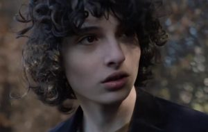 "Finn Wolfhard está assustador no trailer de ""The Turning"""