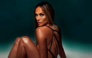"Jennifez Lopez lança de surpresa a dançante ""Baila Conmigo"""