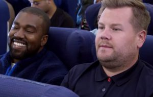 """Kanye West e James Corden fazem """"Carpool Karaoke"""" dentro de avião"""