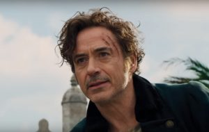 """Robert Downey Jr. recebe ajuda de animais em trailer de """"Dolittle"""""""