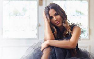 """Wanessa Camargo mandou avisar que lançará a música """"Por Favor"""" na próxima sexta-feira (18)"""