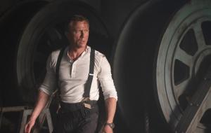 """James Bond aparece ferido em nova foto de """"007 – Sem Tempo Para Morrer"""""""
