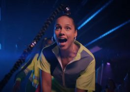 "Alicia Keys curte pista de patinação no clipe de ""Time Machine"""