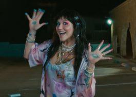"""Kesha dança muito no clipe debochado de """"My Own Dance"""", seu novo single!"""
