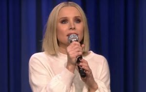 "Kristen Bell canta ""Into The Unknown"" de ""Frozen 2"" no programa do Jimmy Fallon"