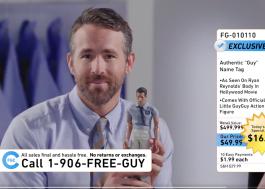 """""""Free Guy"""": Ryan Reynolds tenta vender produtos do filme em novo teaser"""