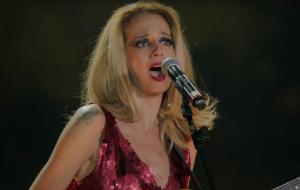 """Letrux canta entre a fossa e o gozo no DVD """"Em Noite de Climão""""; assista!"""
