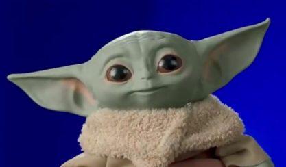 Brinquedos do Baby Yoda a caminho
