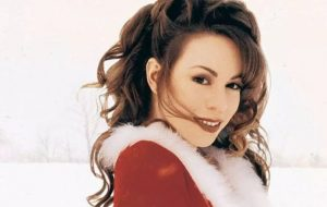 """All I Want for Christmas Is You"" de Mariah Carey conquista topo da parada da Billboard depois de 25 anos"