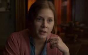 """The Woman in the Window"": Suspense com Amy Adams ganha primeiro trailer sinistro"