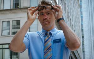 """CCXP: Ryan Reynolds e Joe Keery mostram trailer de """"Free Guy"""", inspirado em """"Free Fire"""" e outros jogos"""