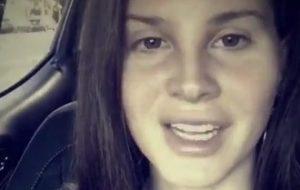 Lana Del Rey irá lançar álbum de poesias em janeiro!