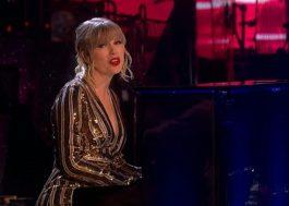 """Acompanhada de ballet, Taylor Swift faz apresentação lindíssima de """"Lover"""" na TV britânica"""