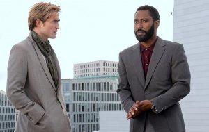 """Robert Pattinson está nas fotos inéditas de """"Tenet"""", novo filme do Christopher Nolan"""