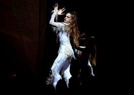 """Rosalía canta """"Juro Que"""" e """"Malamente"""" no Grammy 2020"""