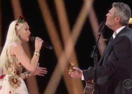 """Blake Shelton e Gwen Stefani fazem apresentação íntima e romântica de """"Nobody But You"""" no Grammy"""