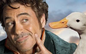 """Robert Downey Jr. posa ao lado de animais em novos pôsteres de """"Dolittle"""""""
