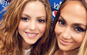 Shakira e JLo desconversam sobre rumores de participação dos filhos no Super Bowl LIV